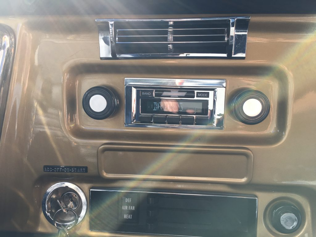 Classic Car Stereo installed